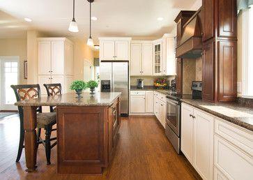 16 best mannington sightings on houzz images on pinterest for Model home kitchens