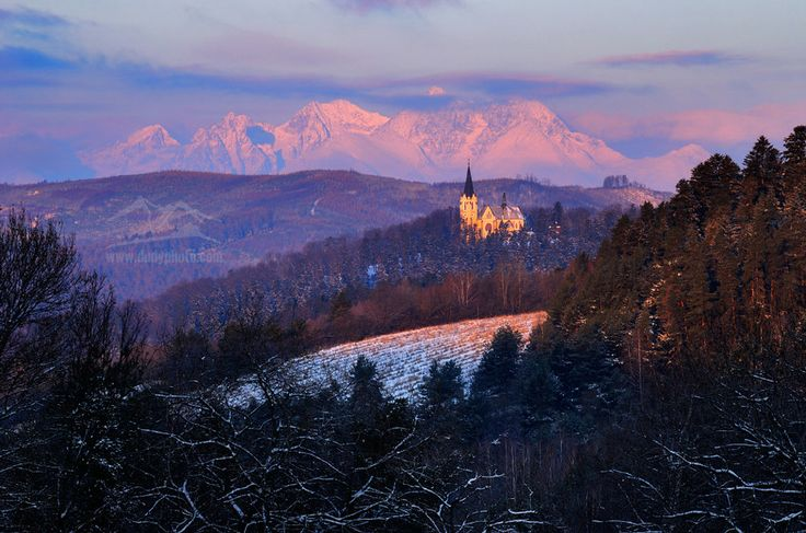 Mountains and a church in perfect harmony ...  #winter #slovakia #hightatras #mountains #levoca  Classic of Spis country by Marek Dunajský on 500px