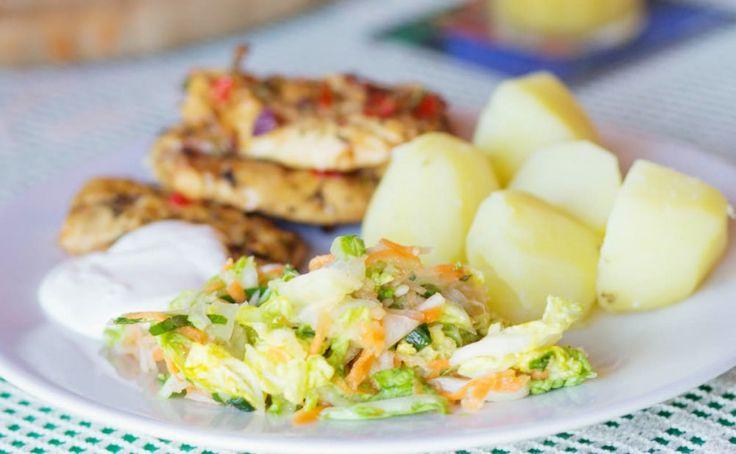 Surówka z kapusty pekińskiej i marchewki idealna do grilla