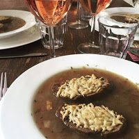 Leidse meisjes in de keuken: Culinair : Franse uiensoep