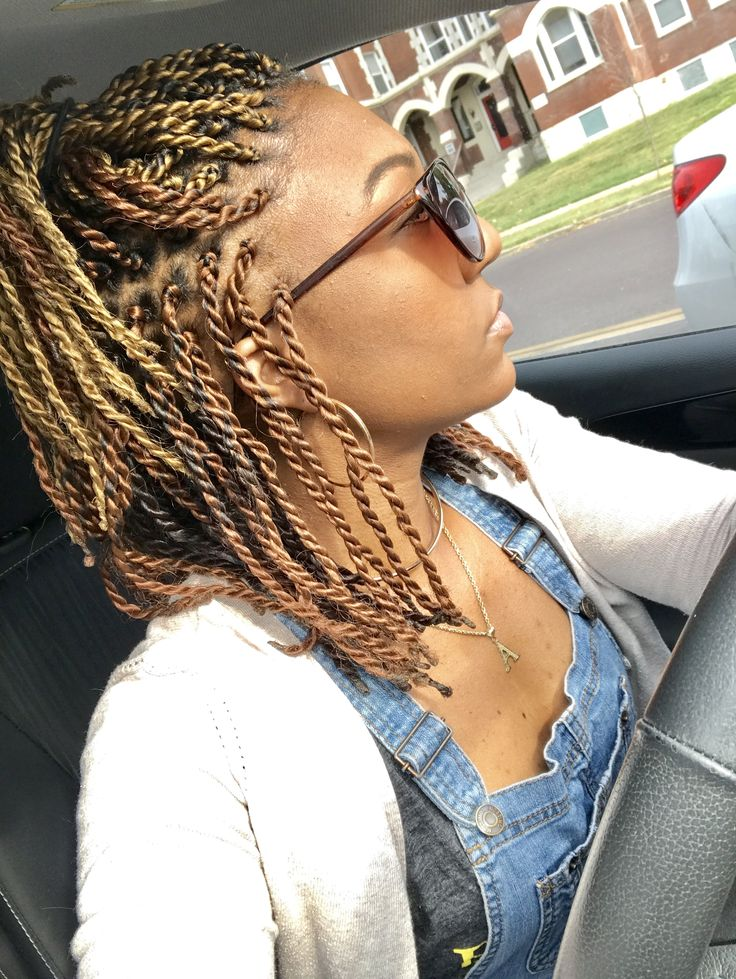 3 shades of blonde 2 strand twists. Ombre twists. Short twists. African American hair. Natural look. Blonde brown senegalese twists. Colored twists. Twists with color. Layered color Senegalese twists.