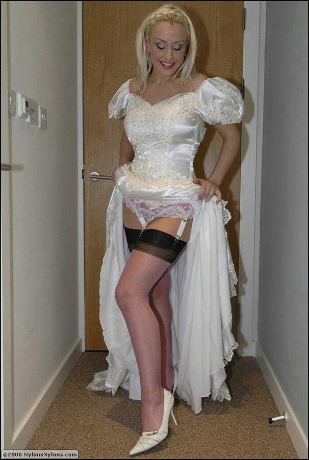 Lie down Shemale wedding dress