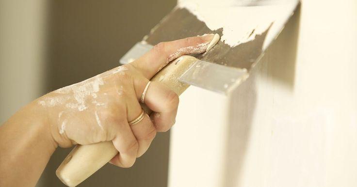Cómo restaurar paredes y techos de yeso: reparación de hoyos grandes con yeso