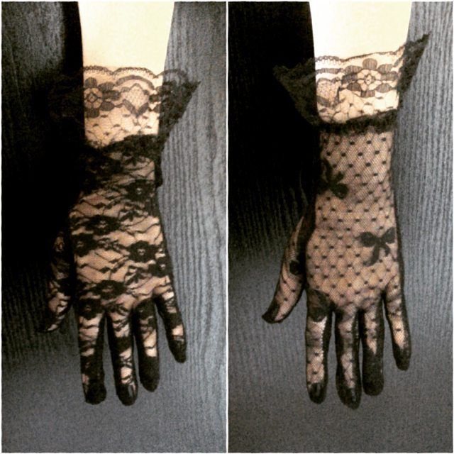 Dantel eldivenler İki model de ciftli satilmaktadir. Cift fiyati: 10tl  #eldiven #dantel #supernatural #witch #cadi #rituel #gothic #punk #tumblr #butik #aksesuar #alisveris #kargo #havale #eft #taki #sanalalisveris #metal