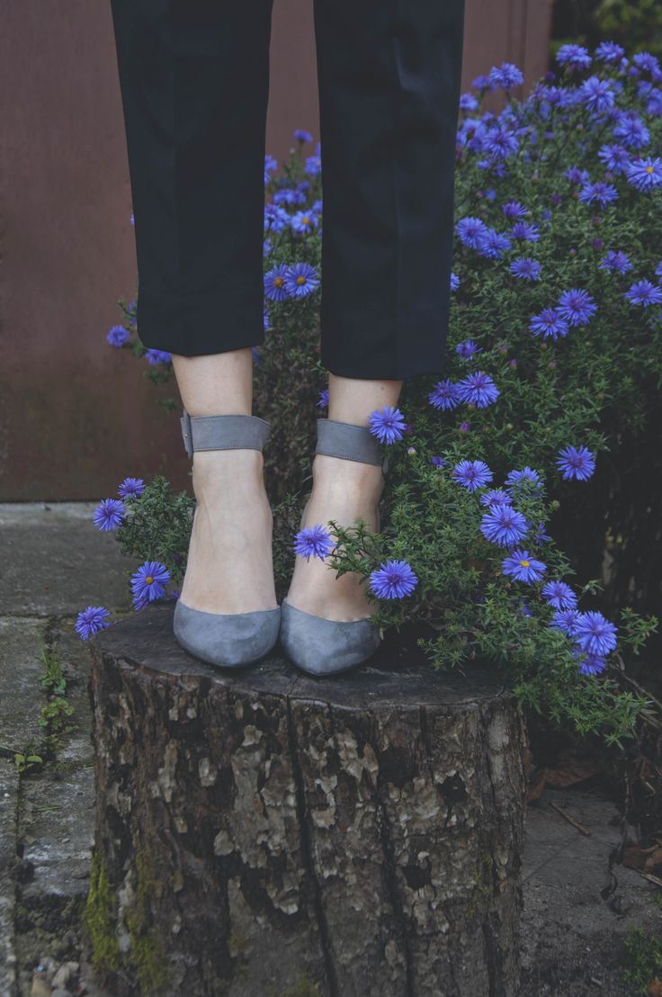hydie suede pumps and emma ankle pants