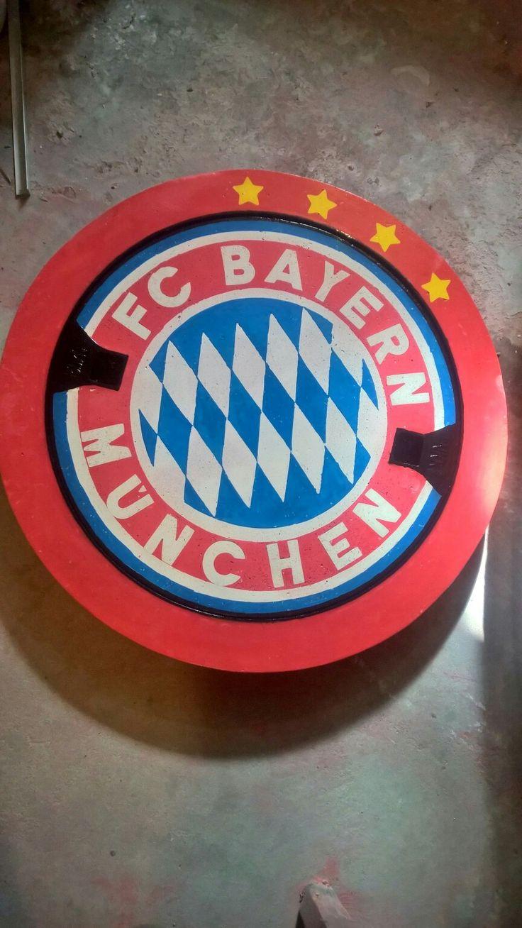 Kanaldeckel Mit Logo, Gullideckel