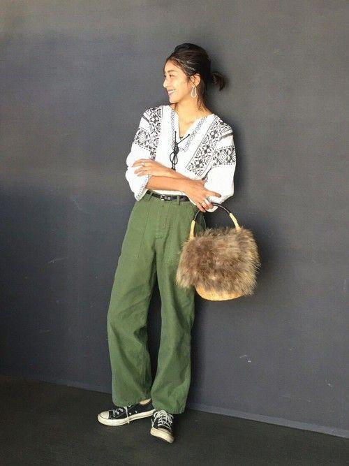 TODAYFULのパンツを使ったREIKA YOSHIDAのコーディネートです。WEARはモデル・俳優・ショップスタッフなどの着こなしをチェックできるファッションコーディネートサイトです。