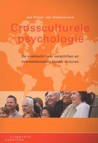 Crossculturele psychologie  Description: Door de groei van toerisme televisie internet en migratie beseffen mensen dat hun eigen cultuur slechts een van de vele is. Dat zie je terug in de psychologie. Psychologen merken steeds vaker dat het gedrag de emoties en het denken van hun cliënten per cultuur verschillen.Crossculturele psychologiebeschrijft de wisselwerking tussen het menselijk gedrag en de culturele omgeving. Hiermee biedt het een overzichtelijke introductie in deze tak van de…