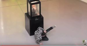Do Not Look Into The Eyes! Statue Prank Scares The Crap Out Of Museum Visitors