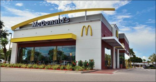 New mcdonald 39 s restaurant design inspiring retail and for Mcdonalds exterior design