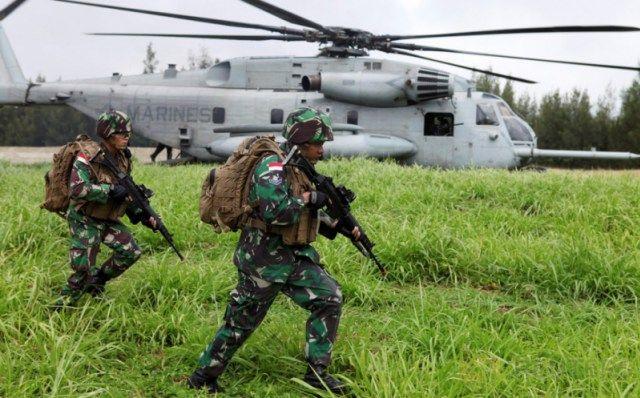 """Sejumlah Marinir TNI Angkatan Laut saat beraksi di latihan Internasional """"Rim of the Pasific"""" (RIMPAC) di Honolulu, Hawaii, Amerika…"""