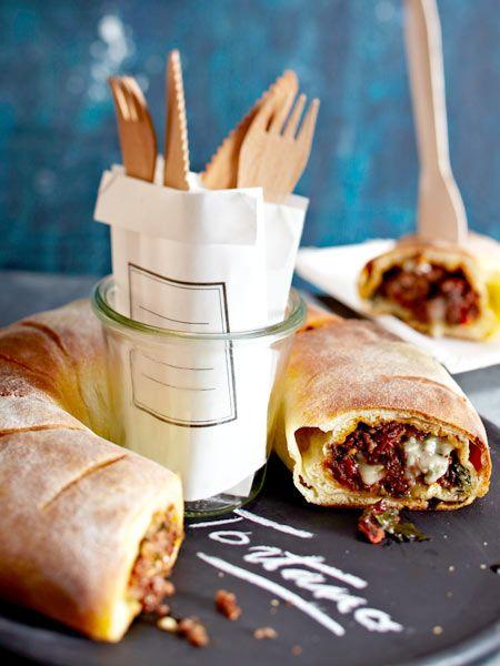 Tortano mit Tomatenhack und Gorgonzola