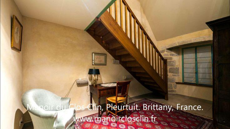 http://www.manoirclosclin.fr Ce manoir du XVème siècle reçoit 4 chambres d'hôtes, près de Saint-Malo et Dinard, sur les bords de la côte d'Emeraude en pays de Rance.