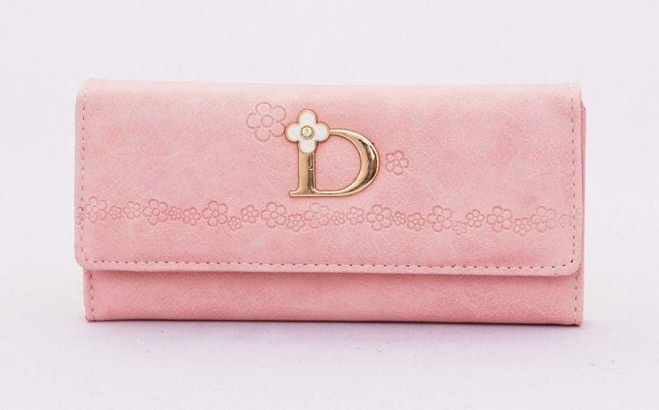 Donna fashion wallet, motif bunga elegan. Ada 3 sap, 1 resleting, 1 foto, 1 uang besar, 4 kartu. Warna pink. Uk 19x9