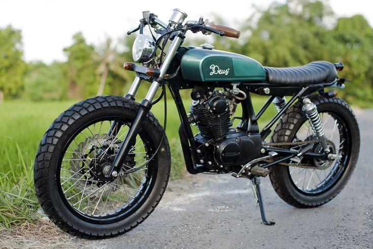 Vintage Honda CB100 Inari