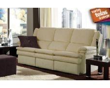 Sofá relax Granfort de tres plazas, tapizado en tela de primera calidad. Los sofás y sillones Granfort son sinónimo de elegancia y calidad certificada. Al sentarse en un sofá Granfort percibirá una sensación única, su sentada es uniforme y equilibrada y, gracias a sus materiales le garantiza una sentada duradera. Este modelo incorpora respaldo reclinable y asientos deslizantes, que le permiten un máximo aprovechamiento del espacio, así como una gran comodidad.