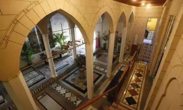 Blog Caderno D: Drops: Castelo de arquitetura islâmica, tem mais de 60 mil intens arqueológicos.: