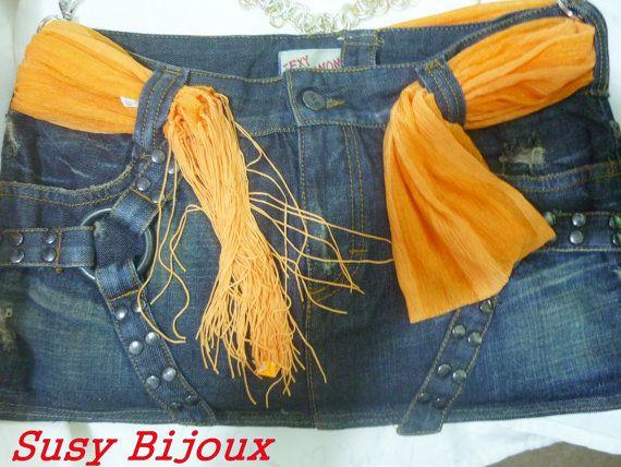 Borsa in jeans realizzata con foulard arancio di IlmondodiSusanna, €15.00