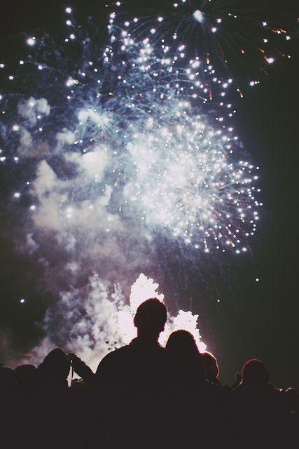 pareja fuegos artificiales