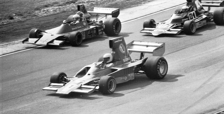(1) Brian Redman - Lola T332 [HU45] Chevrolet V8 - Carl A. Haas Racing Teams Ltd - (4) Warwick Brown - Talon MR-1A - Chevrolet V8 - Pat Burke Racing / McCormack Racing - (91) Jon Woodner - Lola T400 [HU10] Chevrolet V8 - Interscope Racing/Bell Electric - Labatt's Blue 5000 - Mosport Park - 1975 SCCA/USAC F5000 Championship, round 2