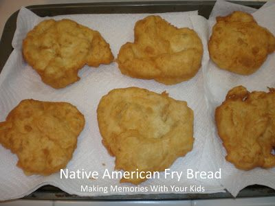 {Secret Recipe Club} Bannock: Skillet Fried Native American Bread - Making Memories With Your Kids