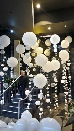 DIY Bubble Balloon Entrance | DIY Balloon Party Ideas | Pretty My Party