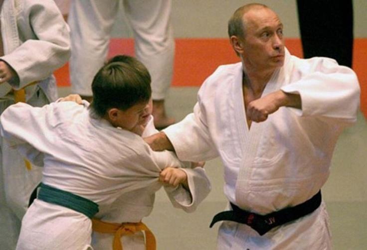 Vladimir Putin demonstrating his Judo Prowess