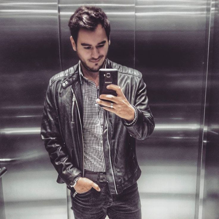 It's just you and I tonight why don't you figure my heart out      #InstaChile #instasantiago #chilegram #instastgo #lifestyle #city #style #black #tbh #manstyle #manwithstyle #selfie #fashion #fbf #Friday #photooftheday #picoftheday #rock #casualstyle