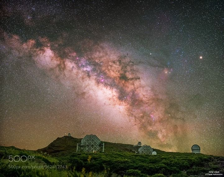La Palma night Skies.  Roque de los Muchachos Observatoris (ORM) under the Milky Way.  Image credit: http://ift.tt/29HHpo7 Visit http://ift.tt/1qPHad3 and read how to see the #MilkyWay  #Galaxy #Stars #Nightscape #Astrophotography