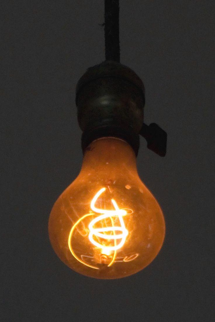 Livermore_Centennial_Light_Bulb.jpg (1024×1536)