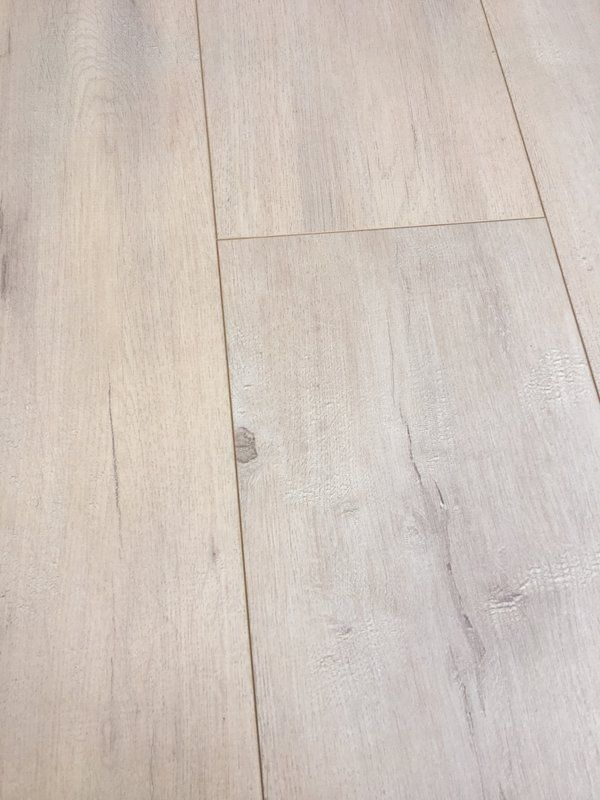 European Oak 8 X 49 X 12mm Laminate Flooring In Beige With Images White Oak Laminate Flooring Laminate Flooring Flooring