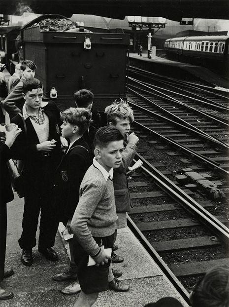 Train Spotters, Trainspotting, Roger Mayne, London Paddington station, 1957,