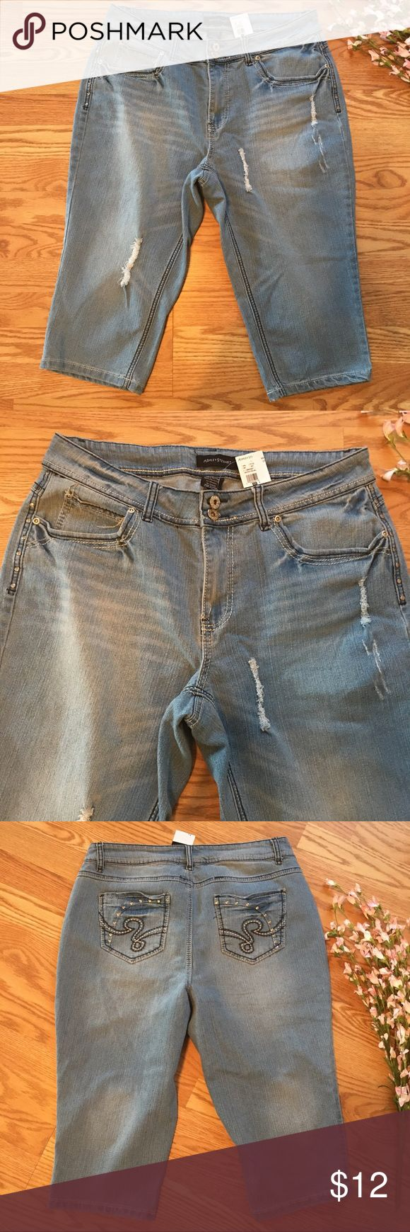 "Ashley Stewart Pedal Pusher Jean Shorts SZ 14 Ashley Stewart Pedal Pusher Jean Shorts, Women's SZ 14 Light Wash Distressed NWT. Stretch. Cotton, Polyester, Spandex.   Measurements taken on a flat surface:  Waist: 36"" Hip: 44"" Rise: 10"" Inseam: 17.5""  Thank you for stopping by!  Vintaj  *FAST SHIPPING* Ashley Stewart Shorts Bermudas"