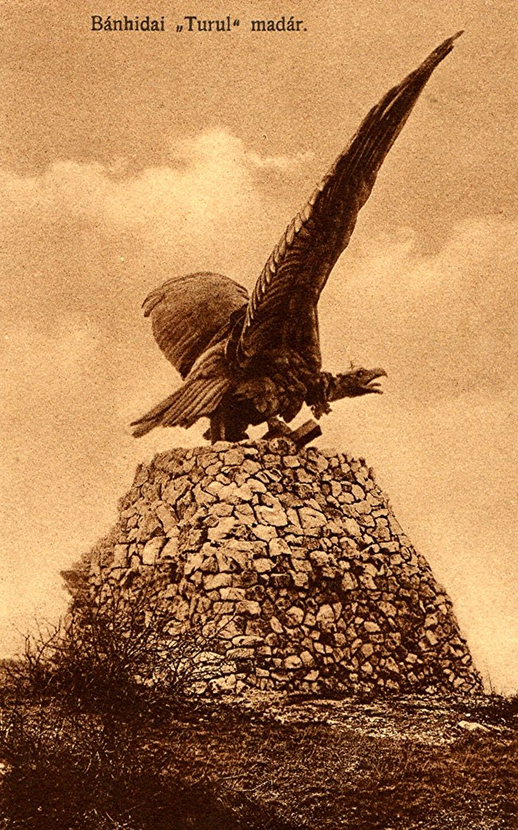 Sepia postcard dated 1927, depicting a statue of a turul bearing the crown of Attila the Hun and located near Tatabánya in Hungary
