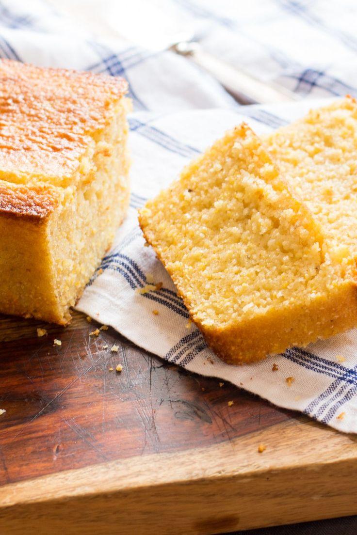 Tender, moist buttermilk cornbread that's super easy to make. Recipe found on http://thewimpyvegetarian.com blog. #SundaySupper