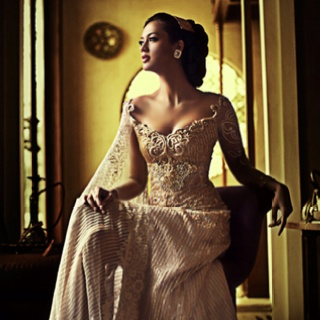 Beige/gold wedding kebaya idea