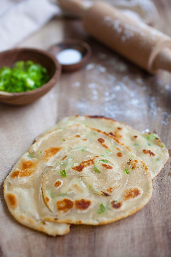 Scallion Pancake - crispy Chinese green onion pancake loaded with lots of scallion. Easy scallion pancake recipe that you can't stop eating | rasamalaysia.com