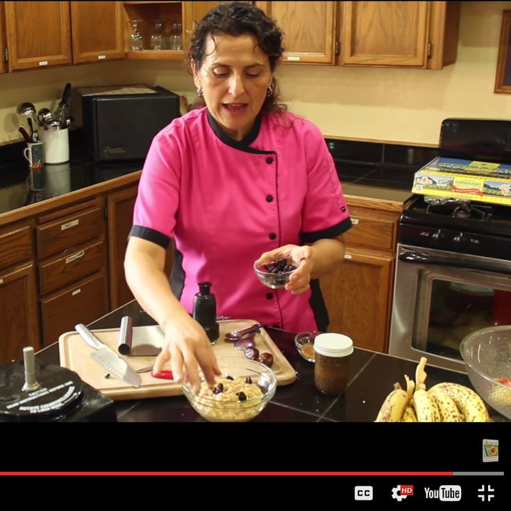 See Chef Alicia Ojeda making one of Dr. Graham's classics, sharing valuable food preparation tips in the process!