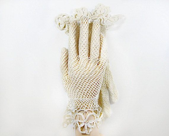 vintage lace gloves | Vintage Crochet Lace Gloves in Ecru Flared Wrist Gauntlet Fishnet ...