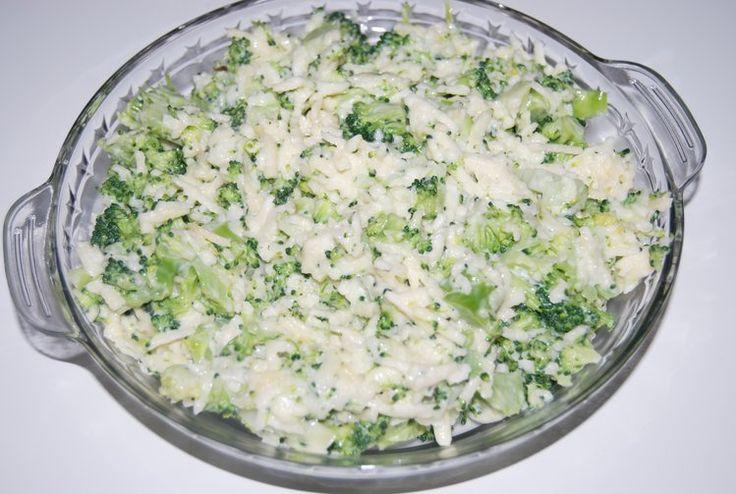 Błyskawiczna sałatka brokułowa