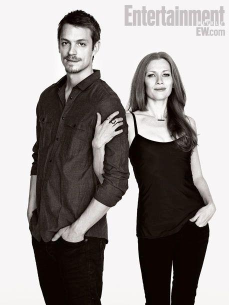 Mireille Enos & Joel Kinnaman- The Killing