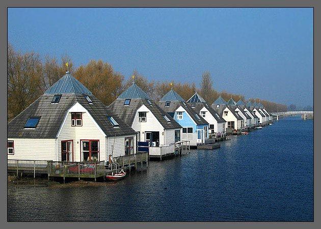 Homes in Almere Buiten, The Netherlands; photo by Geert fotografeerT