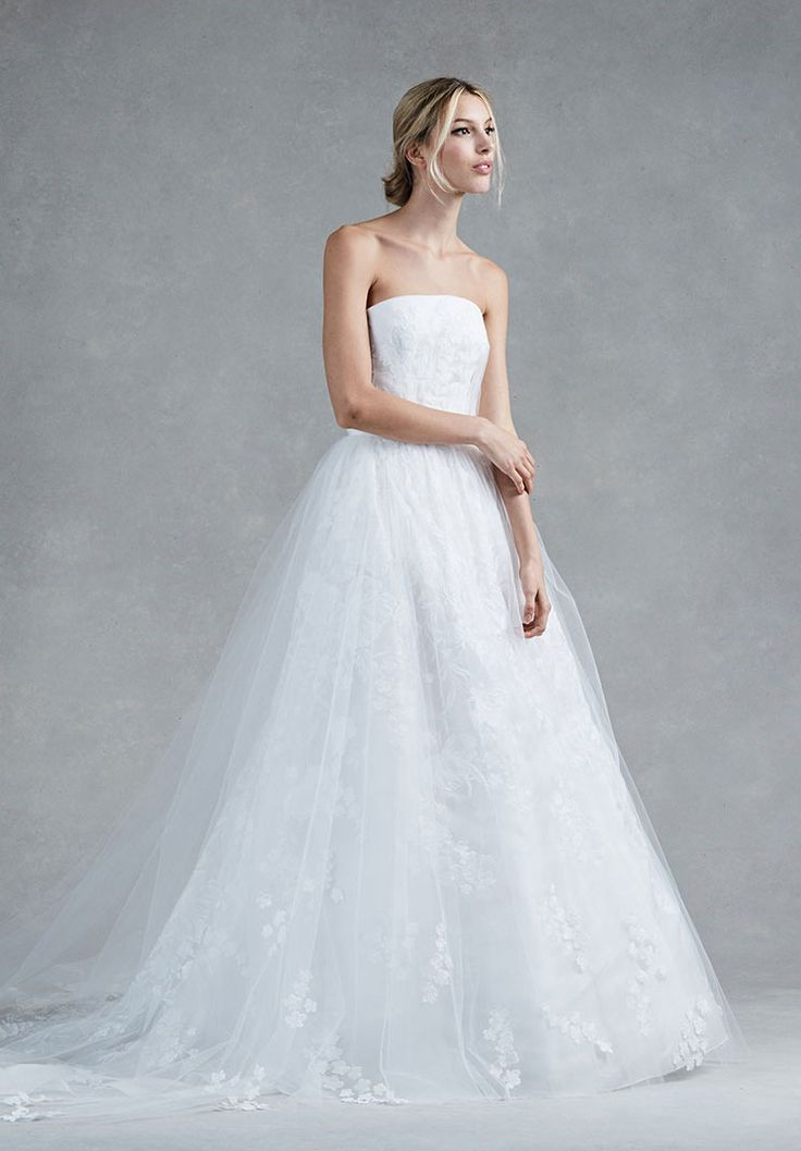254 best Oscar de la Renta Bridal images on Pinterest | 2017 bridal ...