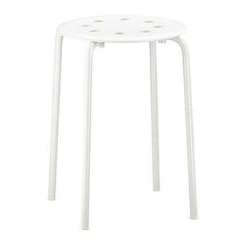 IKEA - MARIUS, Taburet, Taburetterne kan stables, så du kan ha' flere lige ved hånden, uden at de fylder mere end 1 taburet.
