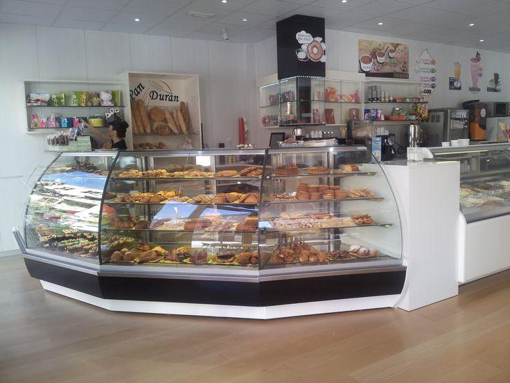 Las 25 mejores ideas sobre vitrina de pasteler a en for Muebles para escaparates