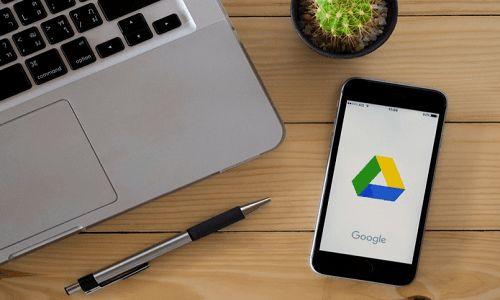 Τι πρέπει να κάνετε όταν τελειώνει ο χώρος στο Google Drive σας; - http://secn.ws/2doarOh - Το Google Drive προσφέρει άφθονο χώρο για την αποθήκευση αρχείων online και το συγχρονισμό τους σε όλες τις συσκευές. Η βασική αποθήκευση είναι ο διόλου ευκαταφρόνητος χώρος των 15 GB εντελώς δωρεάν μ�
