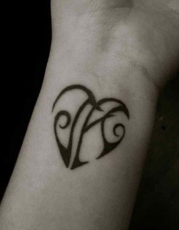 Disenos De Letras Y Tatuajes Con Iniciales De Nombres Tatuajes En