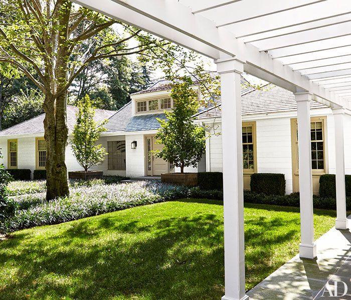 David Kleinberg Transforms a Ho-Hum Hamptons Rental House into a Heavenly Retreat Photos   Architectural Digest