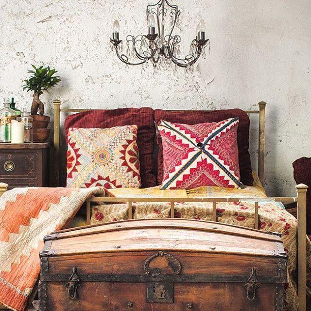 Dark dreamy & romantic. #vintage #kantha #quilts #interiors #interiordesign #interiorstylist #decor #decorate #dark #dreamy #romantic #bedrooms #bedroomdecor #scaramanga #furniture #bedroomgoals #shop #details #adstyle #luxestyle #treasures #antiques