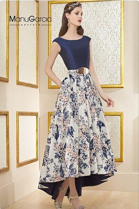 Vestido de fiesta ,color azul con estampado floral a tono con un brocado fantasía. ...